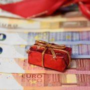 Weihnachten das ganze Jahr: Von Gutschein & Steuervergünstigungen