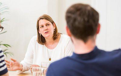 Dr. Susanne Grohé talking to Frank Müller