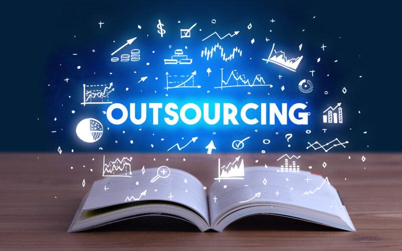 Neue Outsourcing Regeln in der Ma Risk | Dr. Joerg Streißle | PayTechLaw | ra2 studio