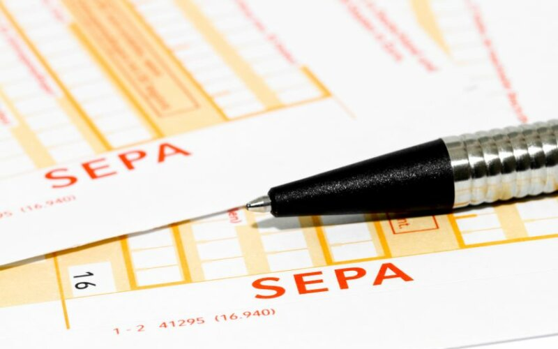 Payment by SEPA basic direct debit| PayTechLaw | FinTech online course | blende11.photo