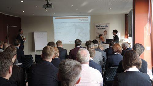 PayTechLaw-Autor und Aderhold-Anwalt Walz auf VATM-Workshop in Köln